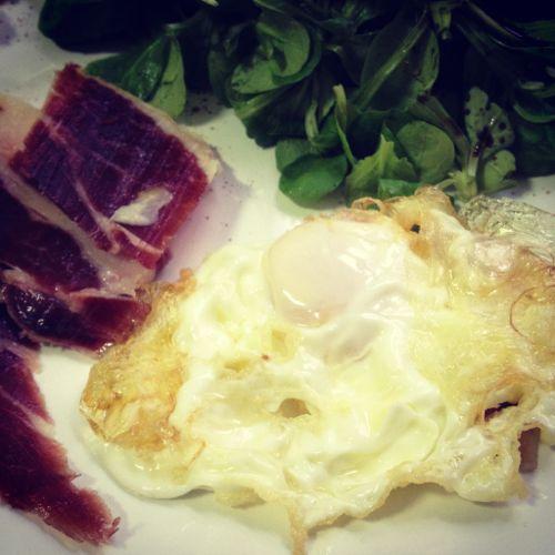Huevo frito con jamón