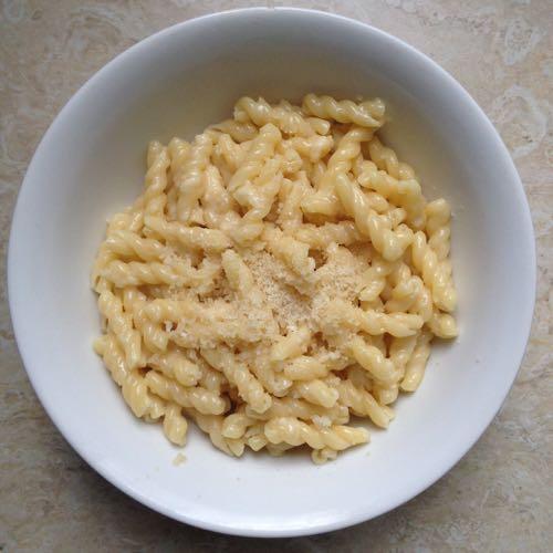 Pasta-burro-parmigiano