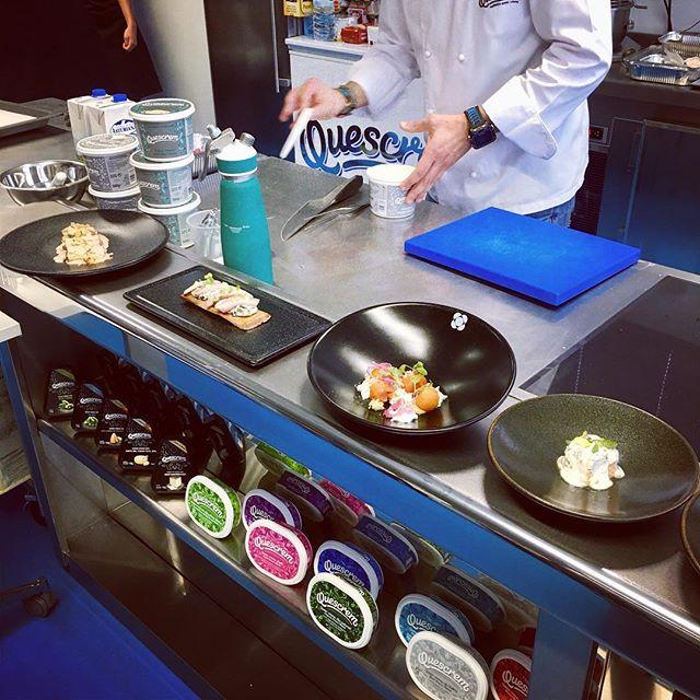 Desayunando en el showcooking de aplicaciones con Héctor de @restauranteespana ️